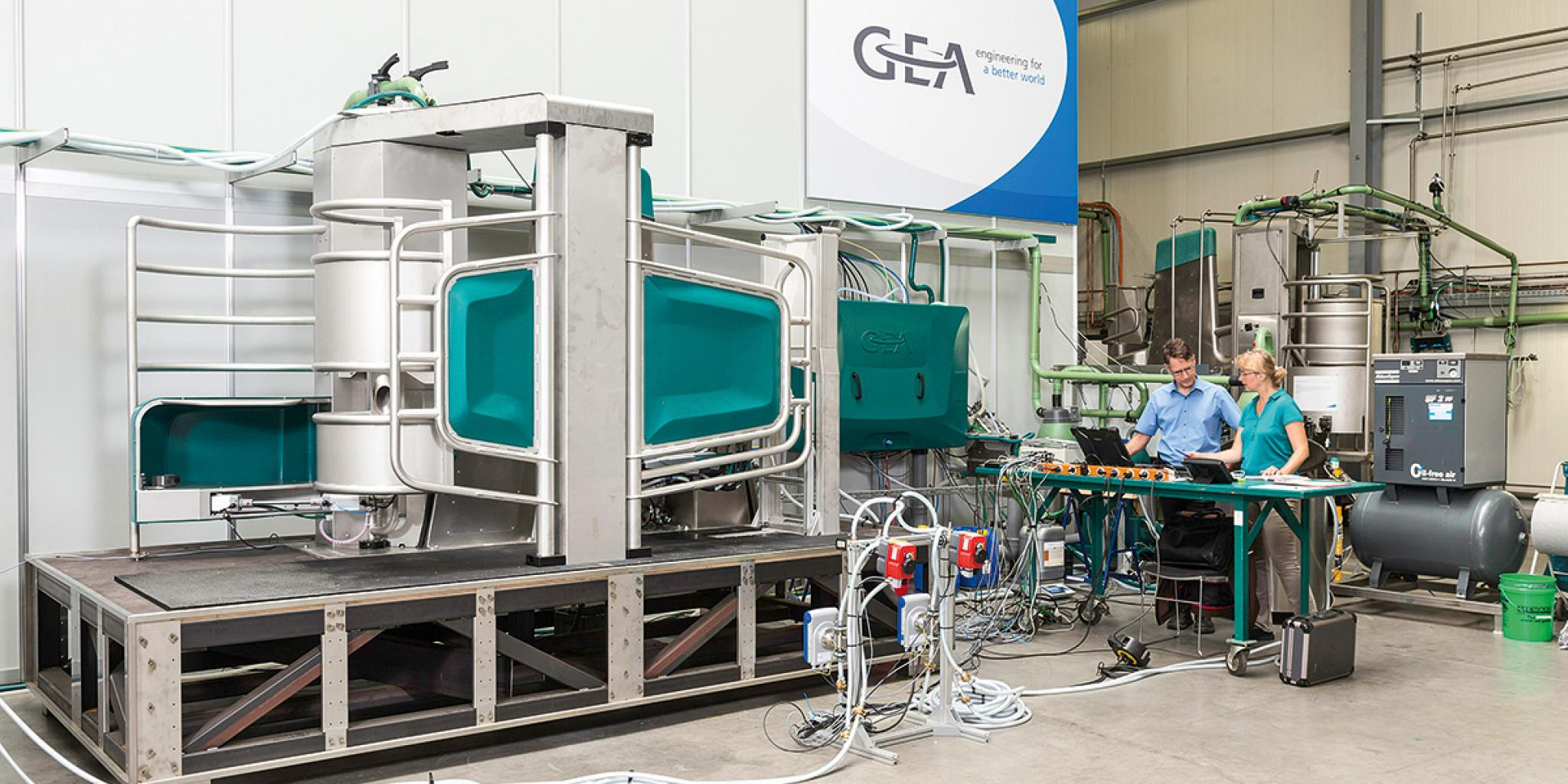 GEA Monobox milking robot tested