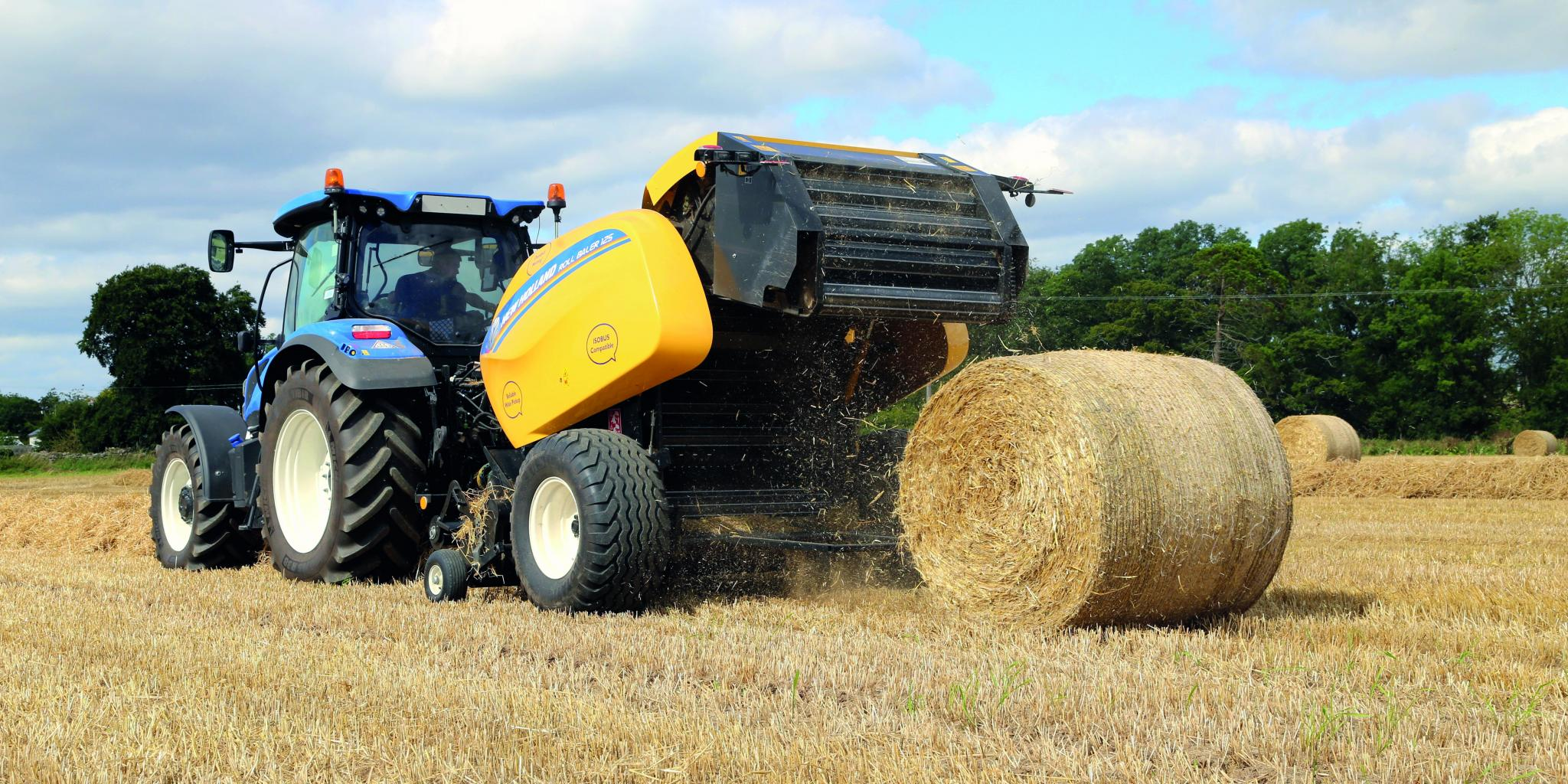 New Holland RB125 fixed-chamber round baler: Gobbling it up | profi